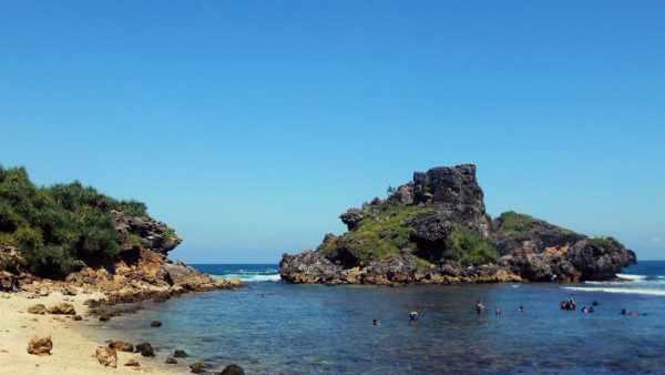 Wisata di Jogja, Pantai Nglambor